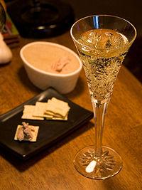 champagne - hmmmm,is this what u guys like most in lavish partiez