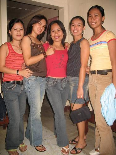 Women's Hair - This is an image of some filipinas from Naga City regardings women's hair.