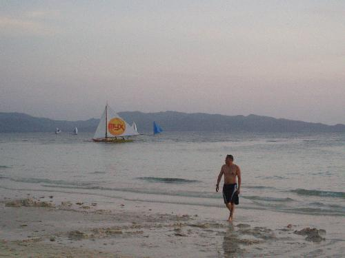 white sand in boracay - Boracay is one of the most beatiful beaches in the world...