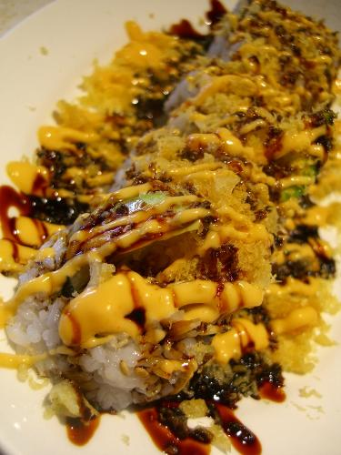 crunch roll sushi - delicious sushi THIS ONE HAS A TON of tempura batter...now that is a crunch roll!