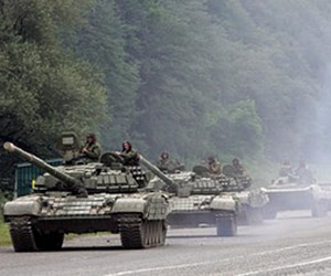 Russian tanks rolling in - Russia goes into Georgia