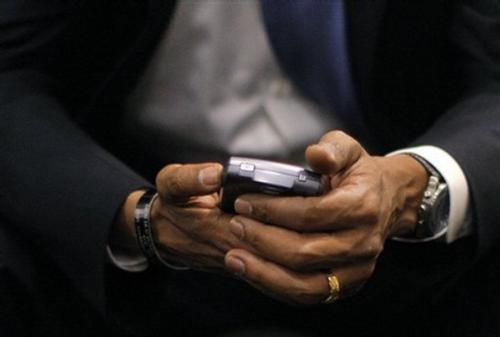 009 Blackberry - Barack Obama has kept his coveted Blackberry with the help of some Secret Service security software.