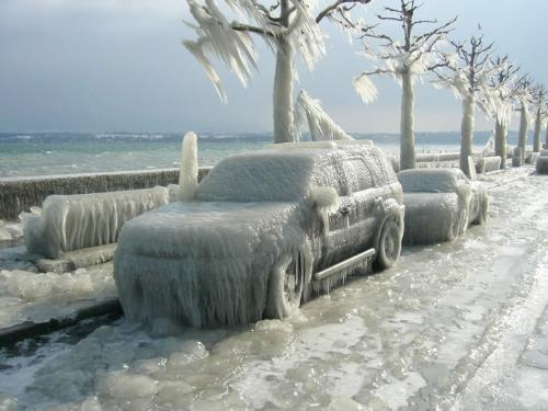 Icy Truck - This is an icy truck that happened in an ice storm.