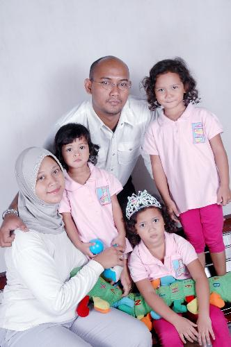 I Am a Father  - I Am a father with twin girls an a girls beuty