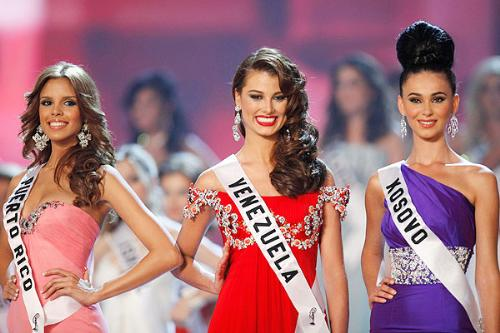 Beauty Contestant - A beauty contest is not all about selection of beauty but also of brains from talented, smart and adorable contestant representing the different respective countries.