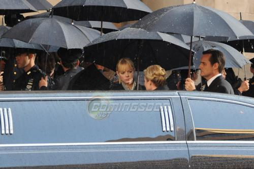 Emma Stone, as Gwen Stacy, in Spider-Man Reboot Le - Emma Stone, who plays Gwen Stacy (Spiderman's high school love interest), is seen in the photograph attending a funeral. Though British actor Andrew Garfield (of The Social Network), would play Peter Parker, he isn't seen on the photograph. This is currently heating up speculations on who died.