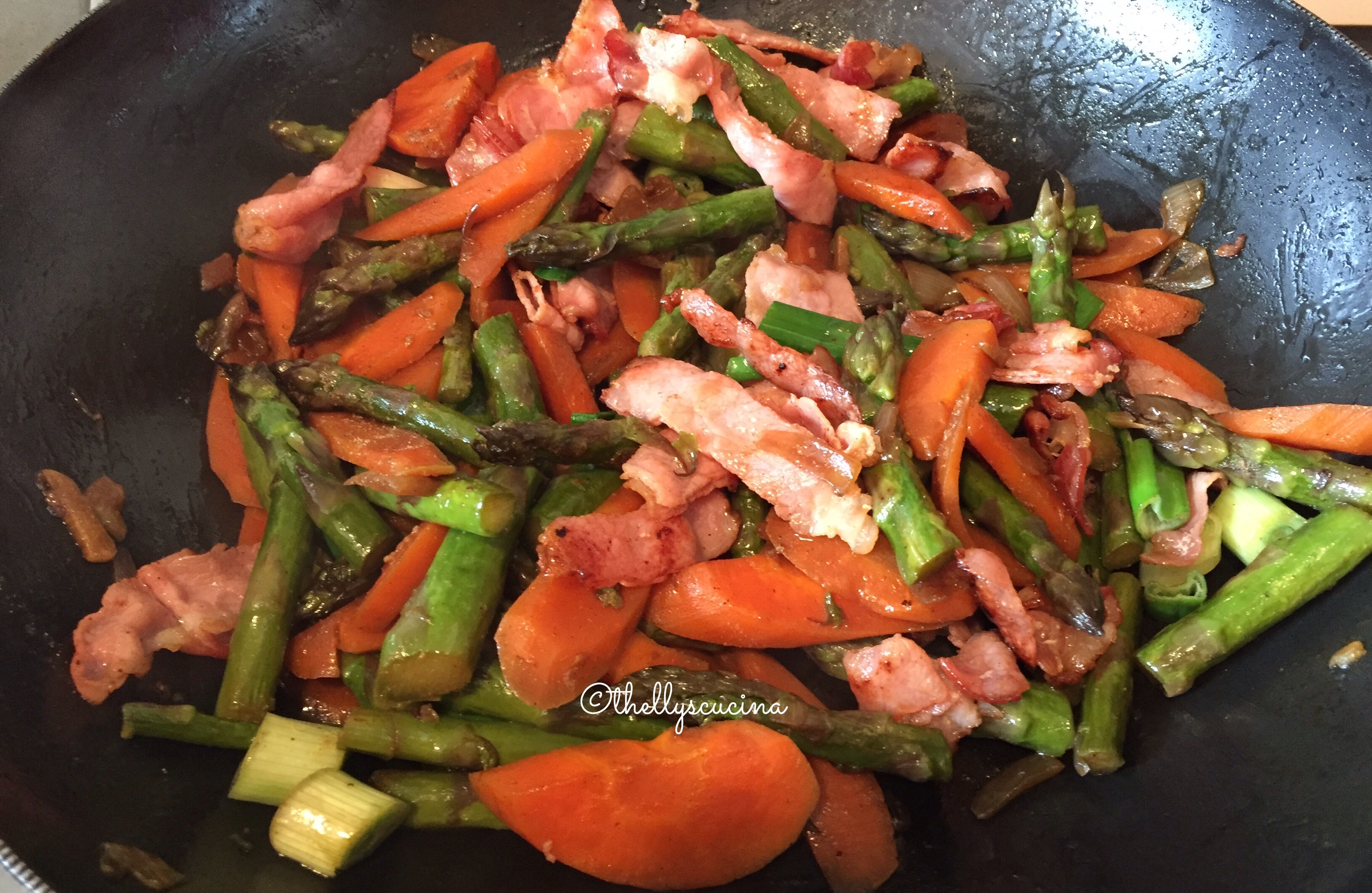 Asparagus with bacon