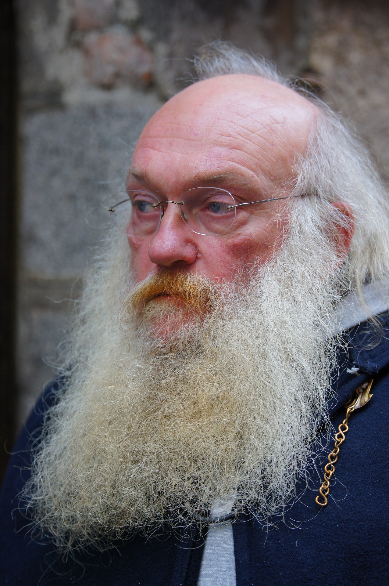 The Rabbis beard was nearly as long as his knowledge!