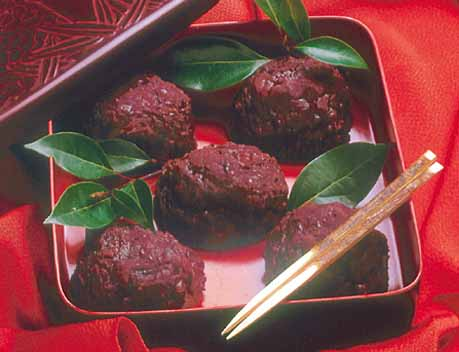 My favorite Japanese sweets! - I love Ohagi.Ohagi is made by rice and sweet red bans!