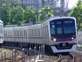TRAIN in Japan - This is what I used to go to the school.
