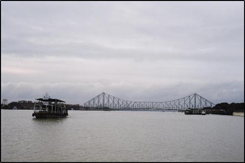 Howrah bridge - Howrah bridge is the busiest bridge in the world.Howrah bridge is situated in kolkata,India.
