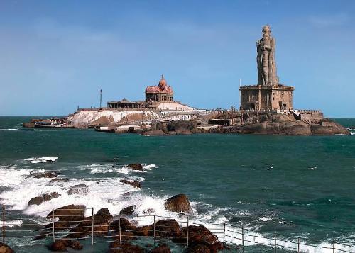 Thiruvalvuvar statue and vivekanandar rock - This is a long view of Thiruvalvuvar statue and vivekanandar rock.